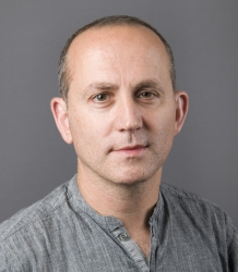 Photo of Professor Dan Stevens